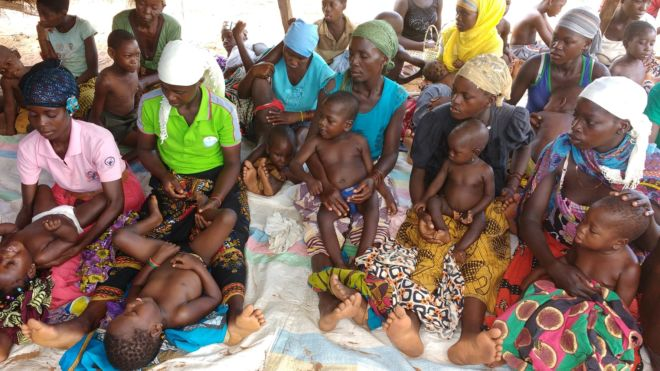 mamme e bambini africani