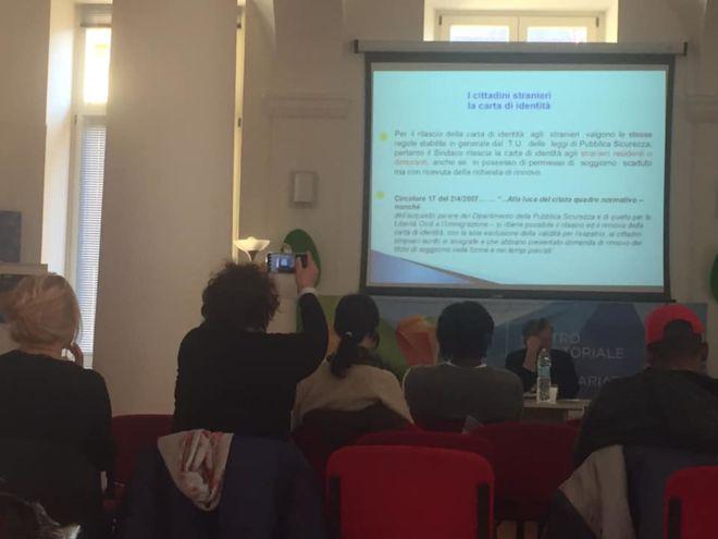 conferenza per cittadini stranieri